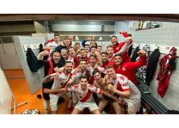 El Colmenar vence a un gran Villalba en un partido de futbol excepcional