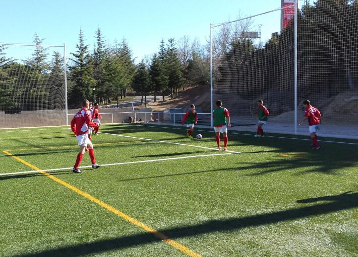 Gran tarde de futbol del Cadete B frente a Los Negrales