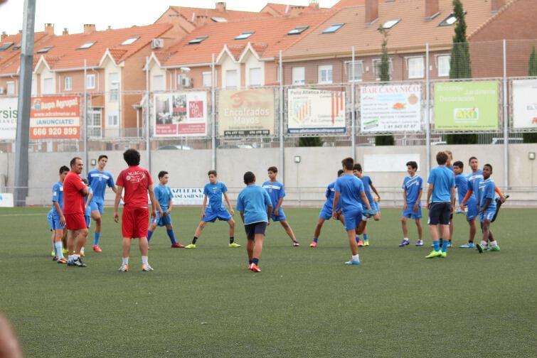 La Escuela de Futbol de la A.D. Colmenar ya está en marcha