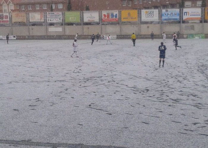 Victoria del Juvenil a frente al Alcobendas Levitt y la nieve