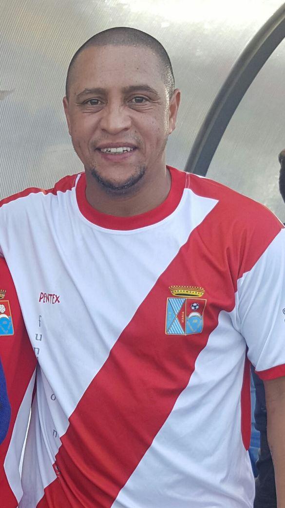 Roberto Carlos ficha por la ADCV